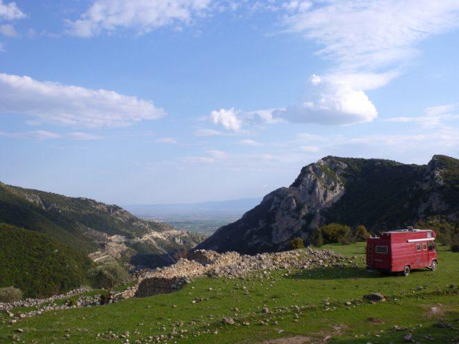 Horst auf einem Plateau in den griechischen Bergen