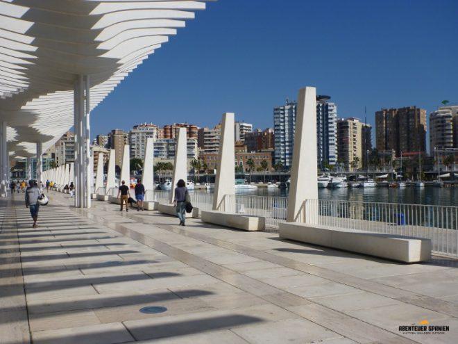 Der Hafen von Málaga